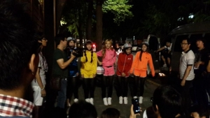 Crayon Pop downtown Seoul