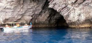Grotta Azzurra - Taormina by L. Strano
