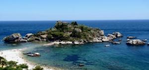 beach at Isola Bella by L. Strano
