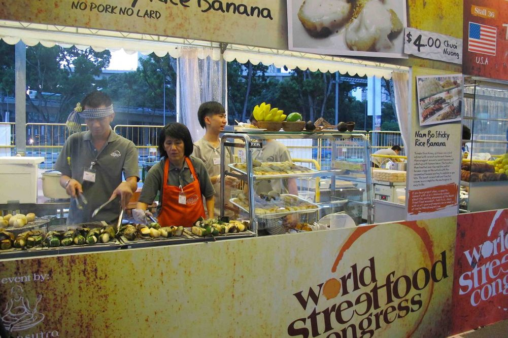 Chuoi Nuong (banana sticky rice) Stall - Nam Bo, Vietnam