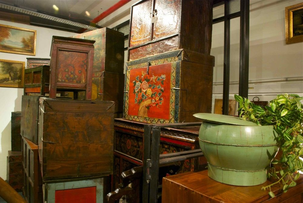 Li bai arts and antiques in singapore my guide singapore for Chinese antique furniture singapore
