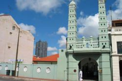 Mosque in Chinatown Singapore