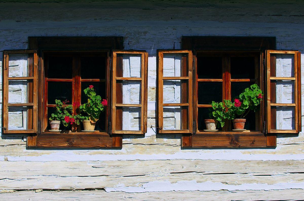 Old Cottage (Photo © Rastislav Krähenbil)