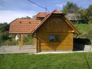 Janko in Metka Vineyard Cottage outside
