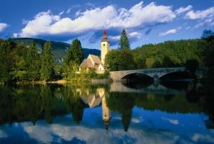 Lake Bohinj S: Slovenia.info A: B. Kladnik