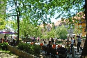 Ljubljana cafe scene S: Slovenia.info A: D.Wedam