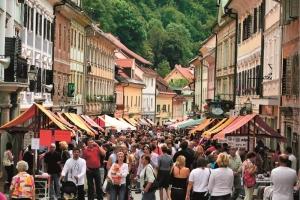 ?u?tarska nedelja S: Slovenia.info A: Obcina Tr?ic