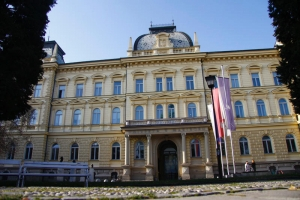 Univerza v Mariboru; S: Slovenia.info; A: J.Fundak