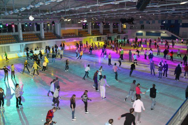 All night skating at Tavrichesky