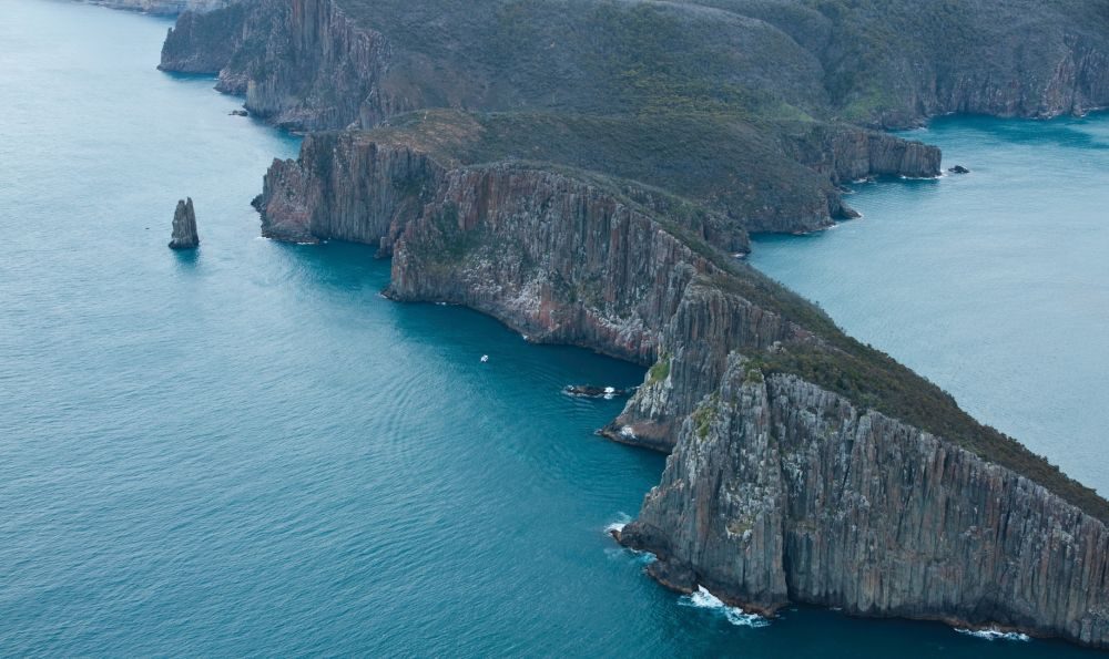 Tasman Peninsula. Copyright: Tourism Tasmania & James Emms