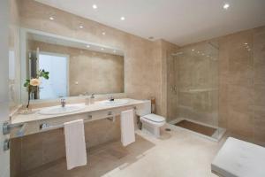 Bathroom at Magnolia Golf Resort in Costa Adeje