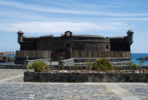 Castles Route in Santa Cruz