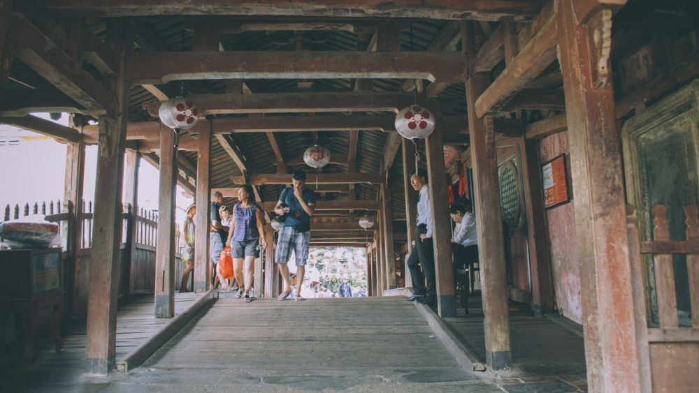 Discover Japanese Bridge - symbol of Hoi An