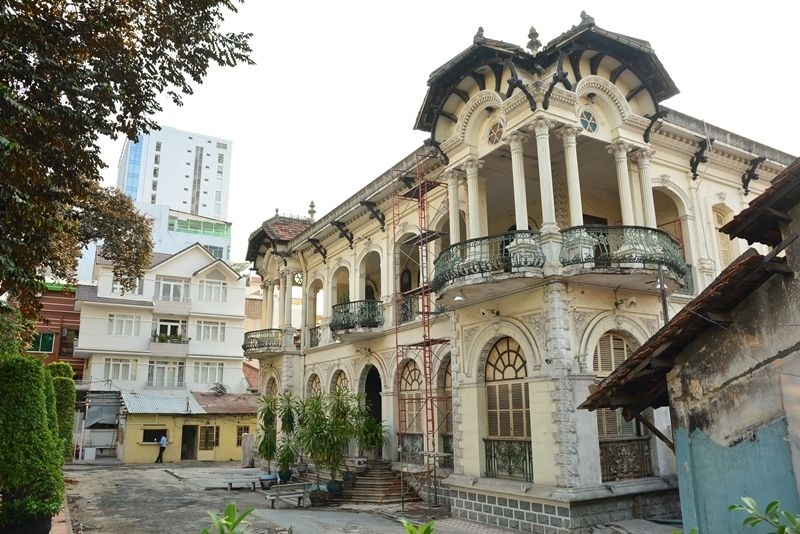 Blink and you could miss Phuong Nam mansion