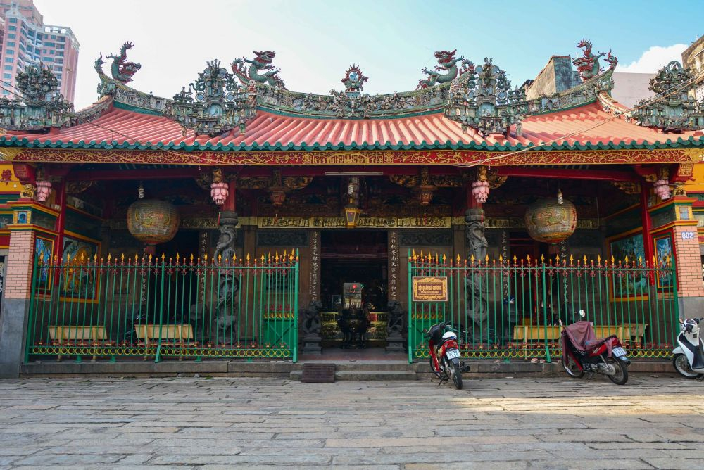 Lady Thien Hau pagoda is a quaint but imposing building