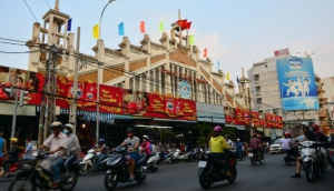 Shopping in Saigon
