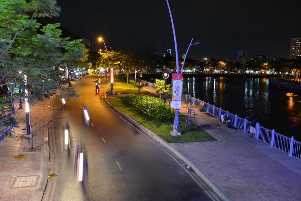 Nhieu Loc - Thi Nghe Canal by night