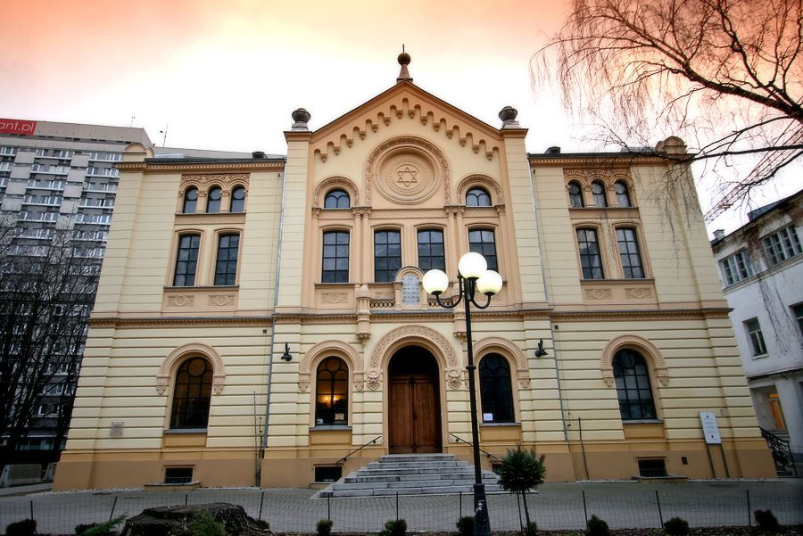 Nozyk Synagogue in Warsaw
