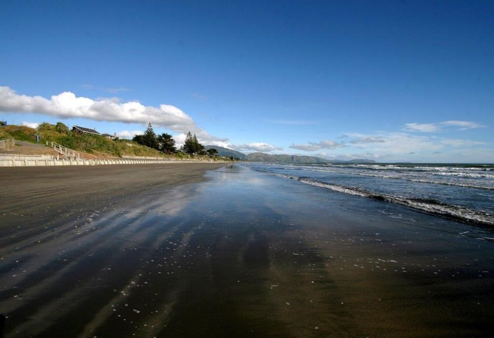 Raumati Beach, Photo by Jonathan Hann