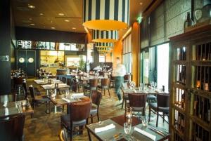 Portlander Bar and Grill