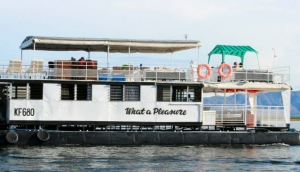 What A Pleasure Houseboat