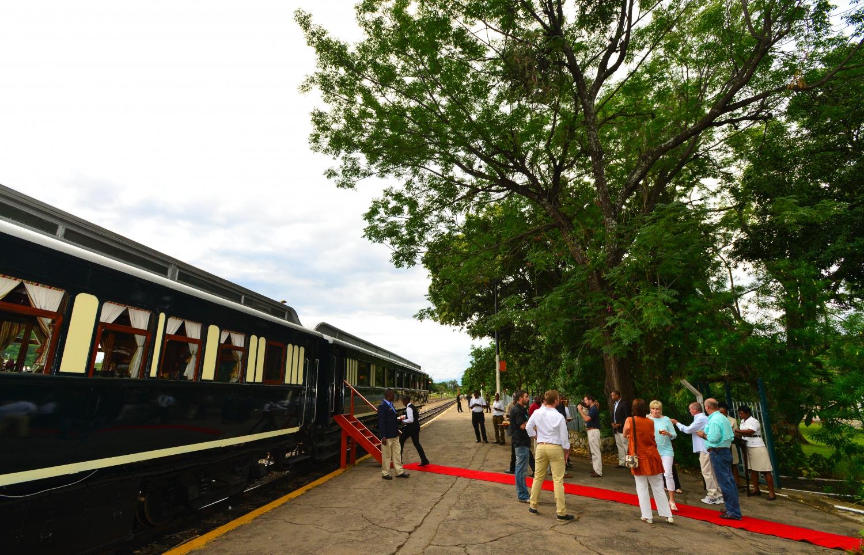 Steam Train, Bridge And Dinner Experience